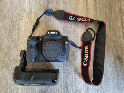 Canon EOS 7D + battery grip