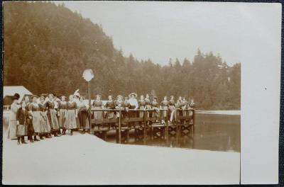 Žákyně Něm.hospodyňské školy-na výletě-1914-soukromá fotografie