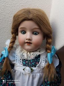 Starožitná panenka