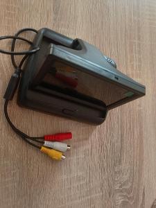Display k couvací kameře