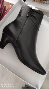 Značkové boty DESKA velikost 38