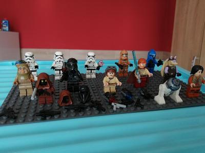 Směs LEGO  figurek a mix příslušenství č.1