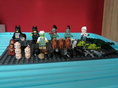 Směs LEGO  figurek a mix příslušenství č.4