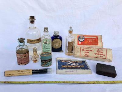 Staré lahvičky - aroma, léky, vůně… obvazy, náplast, léky