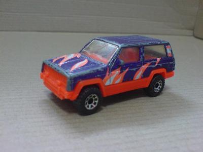 MB-Jeep Cherokee