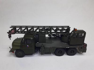 Tatra 138 autojěřáb