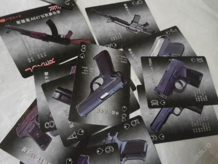 Hrací POKER karty World Firearm - Světové zbraně - Vojenské