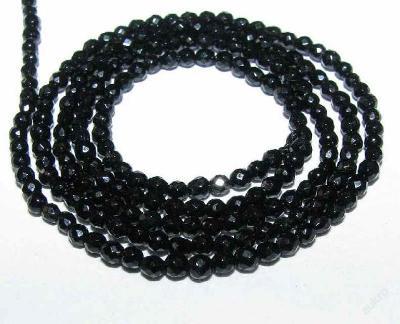 Achát černý, kuličky fas 2mm, šňůra 10cm, In576