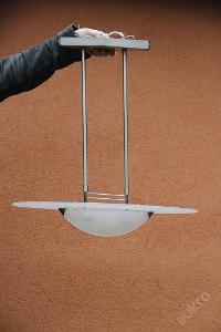Krasna moderna lampa
