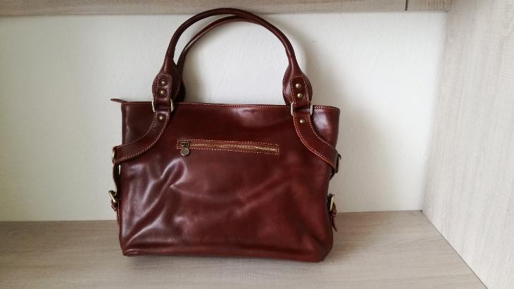 ILENIA - Dámská kožená taška přes rameno - Dámské kabelky