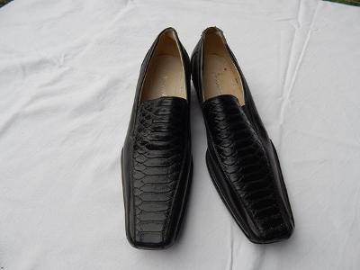 Elegantní černé boty zn. Smoothly, vel.40