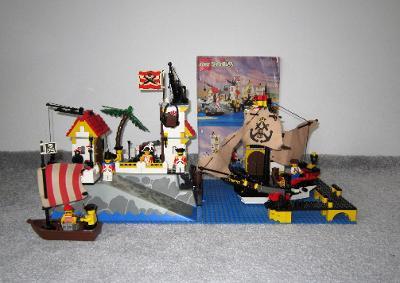 Lego 6277 Piráti, Císařský přístav z 90 let