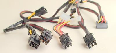 Odpojitelné kabely 6-pin na HDD Molex (PATA)