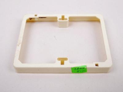 Rámeček pod zásuvku/ vypínač 10,8 cm x 8 cm (P939)
