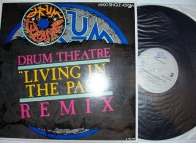 Maxi vinyl DRUM THEATRE - LIVING IN THE PAST REMIX 6:00 / SEVENTH SIGN