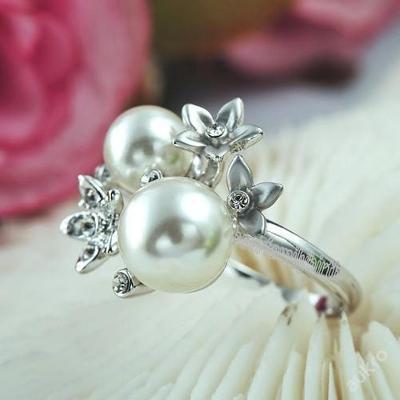 Pozlacený prsten se Swarovski krystalky