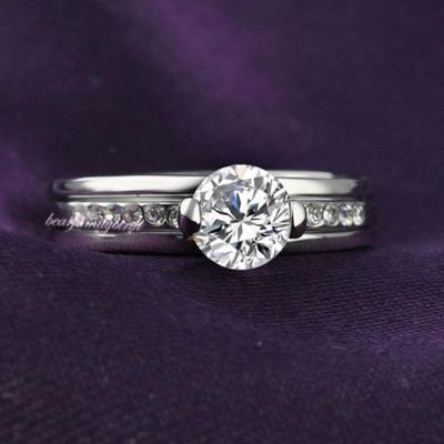 Pozlacený prsten s krystalky