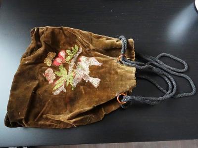 TAŠTIČKA - textil, stáří cca 120 let