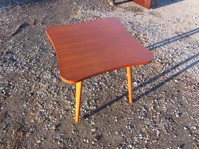 Art-deco stolek-Halabala -čtyřlístek