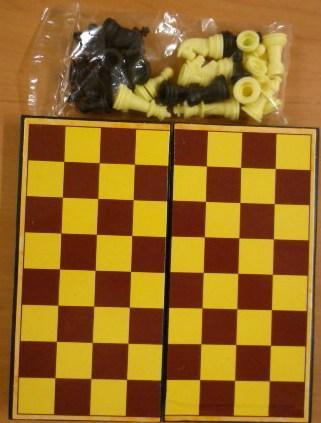 00074 cestovní plastové šachy