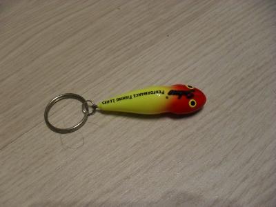 rybářský přívěsek na klíče