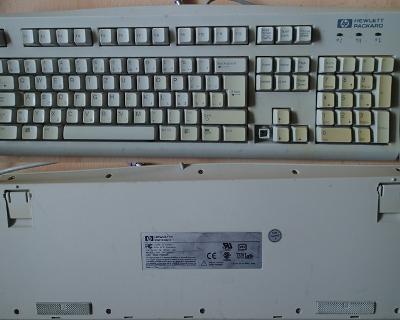 Světlá raritní klávesnice PS/2 HP pro sběratele!