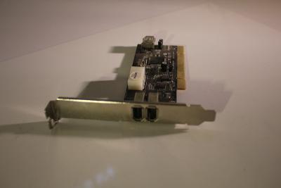 ST-LAB IEEE-1394 NEC 2+1 port + Ulead 6.0