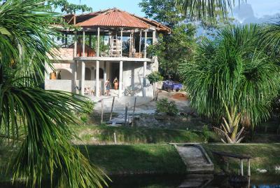 Rozestavěný hotel 25 km od centra Iquitos, Peru