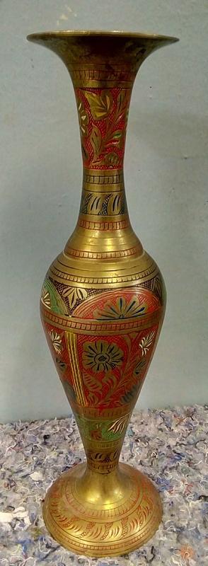 Rytá mosazná váza (6319)
