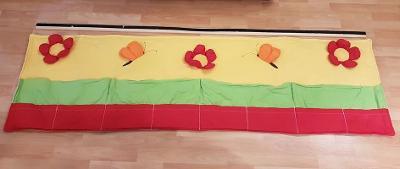 Dětský kapsář na stěnu Květy a motýli 57x200 cm