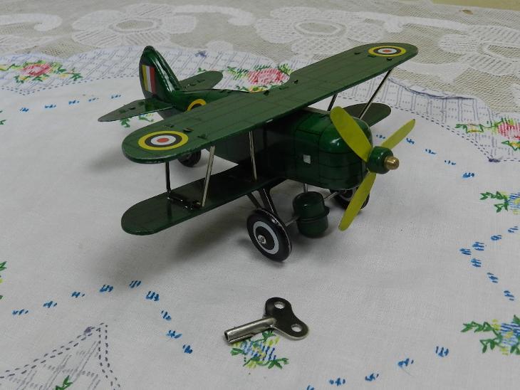 Staré plechové Letadlo na klíček Dvouplošník AS 586 - Starožitnosti