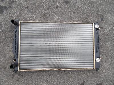 * Audi A4 r.v.94-99,  A6 r.v.97-05 - chladič vody