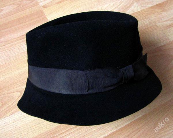 a2d61185323 Starý pánský klobouk černý vel. 56 cm 40. léta