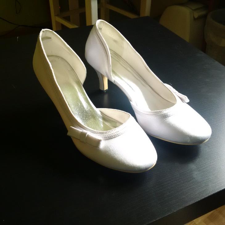 c303cd448a0 Svatební boty