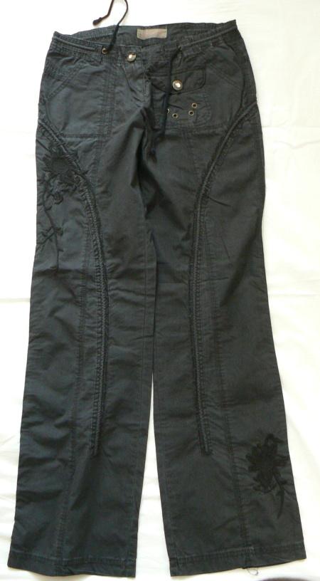 8196ce461f2   Černé kalhoty vel.M