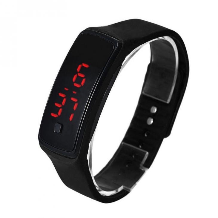 Digitální hodinky na běhání - černé  7068ba26d8