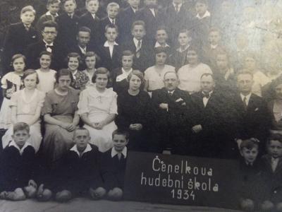 Čepelkova hudební škola 1934 / velká fotka / foto Pešek Náchod