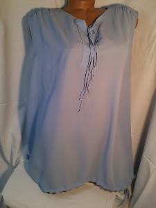 Nebesky modrá lehká halenka bez rukávů, vel.48