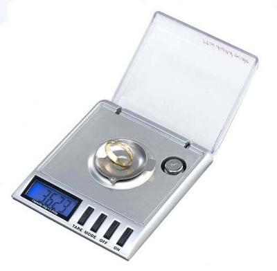 Laboratorní digitální váha s přesností 0,001g