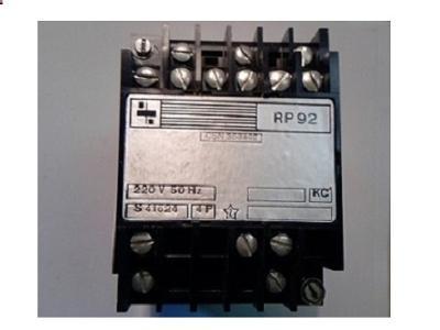 relé RP 92- 220V 4P