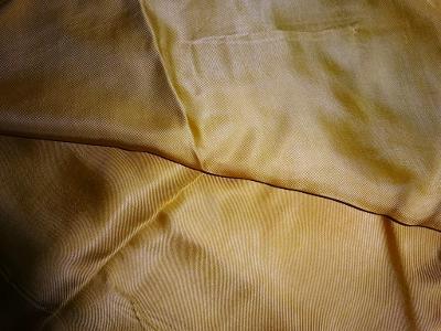 zlatožlutý satén  109 x 186 cm