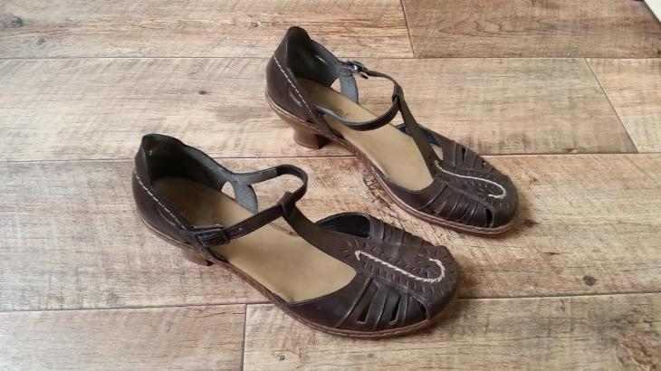 kožené sandály RIEKER vel. 41  ad14bb9bc0