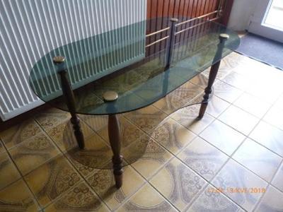 Konferenční stolek se sklem