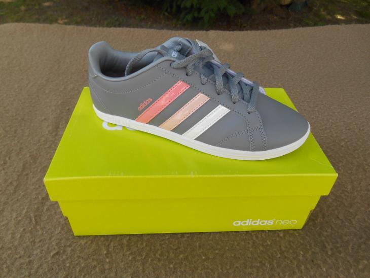 Nové dámské - dívčí volnočasové boty zn.  Adidas 3f0880cdfd6