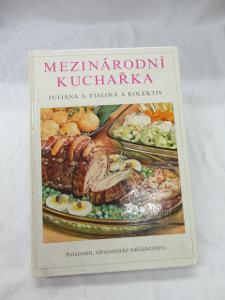 Velká Mezinárodní Kuchařka - 256 stran receptů z celého světa - 1975 !