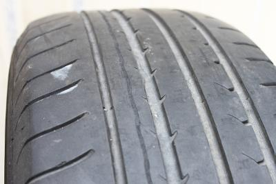 Letní pneu Goodyear EfficinetGrip 215/50 R17 95W