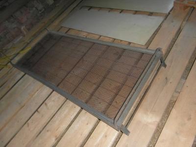 Kovová postel - lehátko