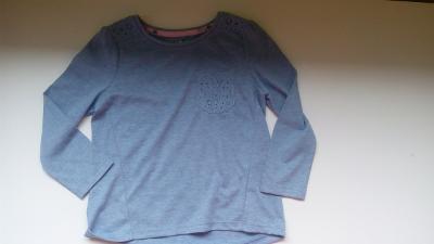 f538857184f Dívčí tričko Next šedé barvy s volánkem