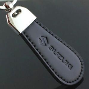 Suzuki - kožený přívěšek na klíče