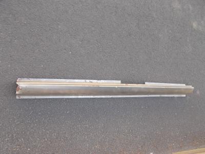 * Citroen AX   r.v. 86-98  -  levý práh 5DV.